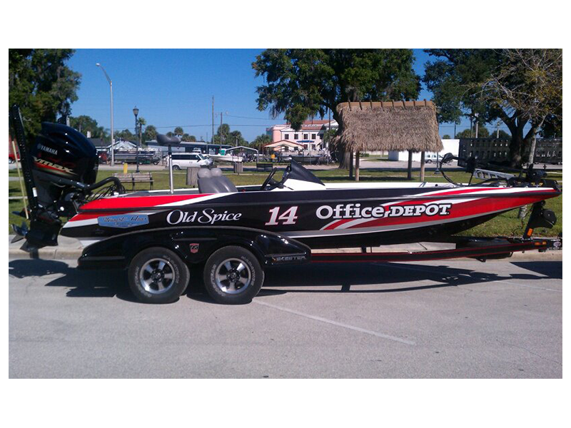 Marine wrap by custom graphics and signs